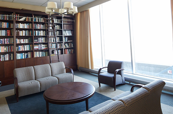Photo of a seating area in a library